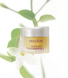 15th of December – Fiona's Tips –Treat your skin whilst you sleep If you're burning the candle at both ends DECLÉOR Neroli Essential Night Balm is a necessity. This incredible balm purifies, softens and hydrates skin while you sleep to help promote a radiant and renewed complexion. There's no need to worry about the breakouts post-party season with this night balm, simply enjoy a beautiful complexion.