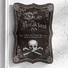 "DEAD AND BREAKFAST"" HALLOWEEN WALL ART INDOOR HAUNTED HOUSE PROP DECORATION SIGN #Unbranded"