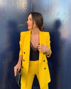 How to wear yellow jacket work outfits 35 Ideas for 2019 Yellow Things yellow jacket Zara Fashion, Suit Fashion, Fashion Outfits, Gothic Fashion, Fashion Ideas, Fashion Tips, Short Outfits, Spring Outfits, Classy Outfits