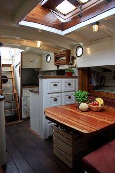 1929 Classic Danish Gaff Ketch Segelboot zu verkaufen - www. Wood Boat Plans, Boat Building Plans, Boot Dekor, Narrowboat Interiors, Sailboat Interior, Sailboat Living, Build Your Own Boat, Diy Boat, Canal Boat