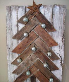 sapin en bois façon parquet chevron comme décoration murale : idées déco Noël DIY