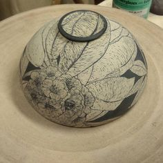 I love how the foot came out on this bowl! So excited! #sgraffito #ceramics #footfetish