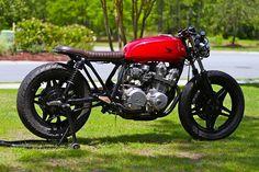 1980 CB750 DOHC Brat #honda #bratbike #bratstyle #cafe #caferacergram #caferacer #custommoto #custommotorcycle #custom #instamoto #instamotor #garagebuilt #motorcycleshop #straightpipe #loudpipes #picoftheday #