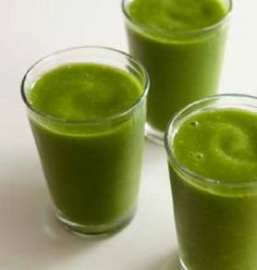 Lauki juice recipe (Bottle gourd juice) – healthy vegetable juice recipe made from bottle gourd, mint and coriander leaves. This is good detox juice that should be consumed first thing in the morning. Healthy Juice Recipes, Green Smoothie Recipes, Healthy Juices, Juice Smoothie, Clean Eating Recipes, Raw Food Recipes, Healthy Drinks, Diet Recipes, Healthy Detox
