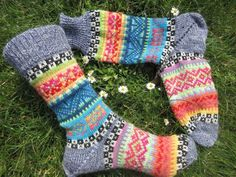 Colorfull socks knitted in fair isle patterns wool polyacryl Knitting Socks, Hand Knitting, Knitting Patterns, Colorful Socks, Colourful Outfits, Outfit Des Tages, Take Off Your Shoes, Fair Isle Pattern, Lang Yarns