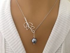 Light Gray Pearl and Leaf Lariat Necklace. Starting at $1 on Tophatter.com!