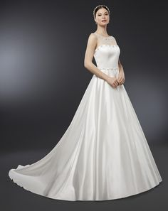 92 fantastiche immagini su Vestiti matrimonio sposa  777e112f49e1