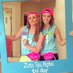 Zeta Tau Alpha at University of North Alabama #ZetaTauAlpha #ZTA #Zeta #BidDay #PhotoOp #FannyPack #neon #snapback #sorority #NorthAlabam