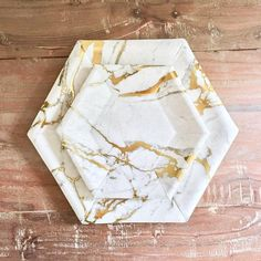 Dinner Plate Sets, Dinner Plates, Disposable Wedding Plates, Marble Room Decor, Diy Resin Art, Silver Paper, Party Plates, Gold Marble, Deco Design