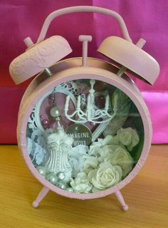 Altered clock - variation on shadow box! Use broken clock or TV or whatever else as shadow box! Can clutter these up more too! Altered Tins, Altered Bottles, Altered Art, Hobbies And Crafts, Diy And Crafts, Arts And Crafts, Paper Crafts, Vintage Diy, Clock Craft