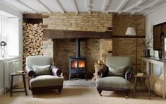 A passion for creating and delivering beautiful, unique residential and commercial interior design in Oxfordshire, the Home Counties and the Cotswolds. Cotswold Cottage Interior, Cotswold House, Country Cottage Interiors, Cottage Style, Cotswold Cottages, Thatched House, Cottage Fireplace, Inglenook Fireplace, Fireplace Ideas