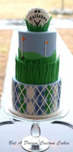 Check out this cool Golf ball birthday cake! Perfect for golf themed parties! Find more golf ideas at Birthday Cakes For Men, Ball Birthday, Themed Birthday Cakes, Birthday Cupcakes, Golf Themed Cakes, Birthday Recipes, Birthday Stuff, 80th Birthday, Birthday Ideas