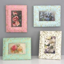 A pretty floral photo frame available in four lovely colours. All our beautiful handmade stationery and storage products are produced in an eco-friendly way, from 100% recycled materials.
