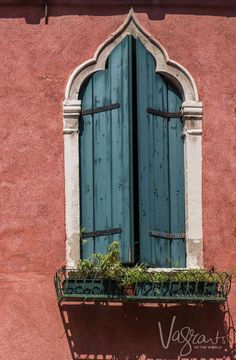 The beautiful colours of Venice is just the beginning of a 5 days in Venice itinerary