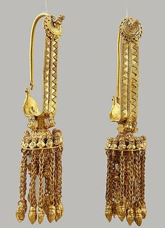 Ancient Colchian golden earrings, 4th century B.C.
