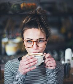 Many people like to style their outfits with a pair of glasses. It's a very simple and easy way to show your hipster attitude. Take a look at these 20 stylish hipster look with glasses, which one do you like best?