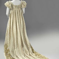 Gown with a train, Anonymous, c. 1806 - c. 1810 - Rijksmuseum
