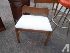 CUTE 1940's VANITY BENCH - $45 (Garage Vintage @ 8th & Santa Fe)