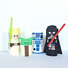 Cardboard Tube Star Wars Characters - Fun Family Crafts Cardboard Tube Crafts, Toilet Paper Roll Crafts, Cardboard Playhouse, Kids Crafts, Arts And Crafts, Family Crafts, Craft Projects, Craft Ideas, Easy Crafts