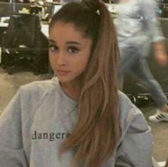 My cute angel 💍💘 Ariana Grande Selfie, Ariana Grande Baby, Ariana Grande Makeup, Ariana Grande Images, Ariana Grande Dangerous Woman, Kim Basinger, Cat Valentine, Role Models, Picture Video
