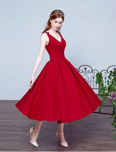 1950s Fashion Vintage Style Inspired V Neck Swing Prom Evening Wedding Dress