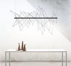 """Il meglio di Euroluce 2017 –   Pallucco. Graffitti è una lampada è dotata di asticelle in metallo con cui l'utente può giocare disegnando """"graffiti"""" in aria creando un'opera d'arte in grado di costruire lo spazio intorno e produrre l'atmosfera con l'immaginazione"""