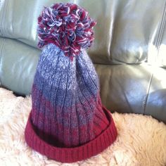 待ちぼうけサンタcapcolor-winesize-L かぶり口ぐるり約60cm    長さ約32cmwool100%hand knitハンドニットを縮絨かけ...|ハンドメイド、手作り、手仕事品の通販・販売・購入ならCreema。