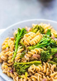 broccolini-leek-pasta-balsamic-vinaigrette-dinner-family-easy-gluten-free-vegan-lunch