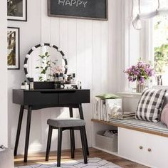 Create a daily beauty corner with a contemporary vanity set - it's a gorgeous way to start your day before a vanity table adding chic and glamour Vanity Table Set, Vanity Set With Mirror, Wood Vanity, Black Vanity, Table Desk, Makeup Table With Lights, Makeup Tables, Vanity With Lights, Makeup Vanity Set