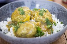 Curry and Meatballs. #meatballs, #curry, #bollerikarry, #rice, #indian, #opskrift, #mad, #food, #recipe
