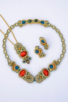 Soutache Pendant, Soutache Necklace, Diy Necklace, Shibori, Beaded Embroidery, Jewelry Art, Jewelery, Jewelry Making, Diy Kid Jewelry
