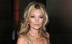 Moda: Come #assomigliare a #Kate Moss: trucco e dettagli di stile (link: http://ift.tt/2lr6hrJ )