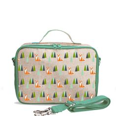 SoYoung - Linen, eco-friendly lunch box with machine washability & olive fox graphic. Little Boy Fashion, Toddler Fashion, Messenger Backpack, Boite A Lunch, Kids Boutique, Backpack Straps, Kids Store, Cute Baby Girl, Resort Wear