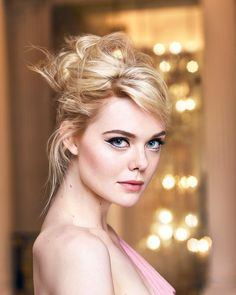 Elle Fanning looks alike emmawatson Dakota Fanning Y Elle, Fanning Sisters, Girl Celebrities, Beautiful Eyes, Beautiful Actresses, Belle Photo, Pretty People, American Actress, Hair Beauty