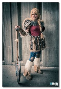 Astrid – How To Train Your Dragon 2 Cosplay, or cosplaying is, by definition, a form of dress up or costume play. Cosplayers dress up in costumes that usually are based around Anime, Comic Bo… Astrid Costume, Astrid Cosplay, Epic Cosplay, Cosplay Diy, Amazing Cosplay, Halloween Cosplay, Cosplay Outfits, Cosplay Girls, Anime Cosplay