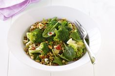 Broccoli and lentil salad with chilli and pine nuts Infused with balsamic vinegar, this easy salad is delicious as well as super healthy. Salad Recipes For Dinner, Healthy Salad Recipes, Vegetarian Recipes, Healthy Treats, Lunch Recipes, Healthy Foods, Yummy Recipes, Pine Nut Recipes, Lentil Recipes