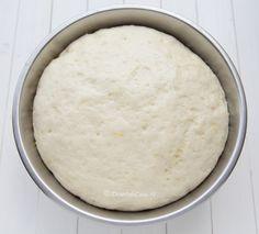 Cornuri de post cu rahat - DesertdeCasa.ro - Maria Popa Vanilla Cake, Dairy, Cheese, Desserts, Food, Vanilla Sponge Cake, Meal, Deserts, Essen