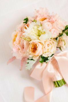 "smpweddings: "" Pretty peach + pink wedding bouquet Photography: Facibeni Fotografia """