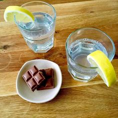 Lemon  tonic water to quench the thirst and aid digestion together with chocolate  to spike up #insulin level for #evening #workout.    #geek #nerd #biochimistry #nutrition #sports #science #bodybuilding #runner #run #running #runningman #lifestyle #healthy #health #life #hustle #hustler  #一個男人的浪漫