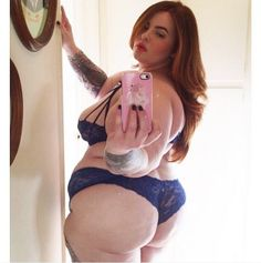 """Pin for Later: Which of These """"Plus-Size"""" Models Will Be the First to Walk the Victoria's Secret Runway? Tess Holliday"""