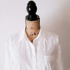 Old Navy long Sleeve button down Barely worn old navy Top Color White Size medium Old Navy Tops Button Down Shirts