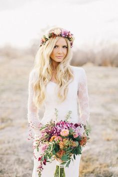 Bohemian wedding bouquet and flower crown