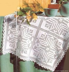 Large square motifs for napkins, tablecloths and blankets