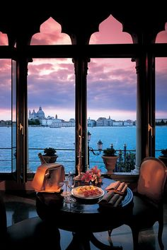 Hotel Cipriani, Venice, Italy (www.venice-italy-…) Hotel Cipriani, Venedig, Italien (www. Dream Vacations, Vacation Spots, Vacation Ideas, Vacation Packages, Places To Travel, Places To See, Travel Route, Places Around The World, Around The Worlds