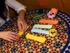 Making origami bracelet at Etsy Bordeaux's first workshop on march 2012