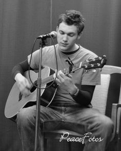 I love me some Phillip Phillips. He is so talented...can not wait to hear some original stuff from him!!!!