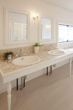 新進建設オリジナルモザイクタイルを使用した造作洗面化粧台。|タイル|インテリア|おしゃれ|ライト|かわいい|