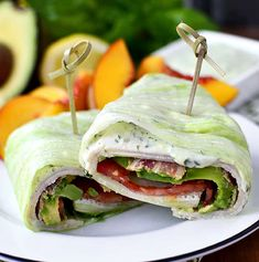California turkey and bacon lettuce wraps. Get some delicious quick keto lunch ideas. Easy recipes for work or the go. Prep some salads, chicken, and more! Keto recipes are so satisfying. Eating Habits, Clean Eating Snacks, Ideas De Almuerzo Keto, Bacon Lettuce Wraps, Easy Low Carb Lunches, Keto Lunch Ideas, Diet Plan Menu, Batch Cooking, Convenience Food