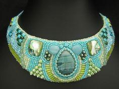 davantino tecnica bead embroidery con cabochon agata : Collane di magius
