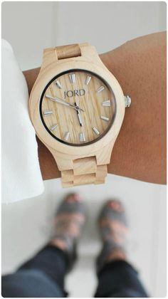 Accessorizing as an art form, perfectly executed by @motherhoodinstilletos Find her watch, the Fieldcrest in Maple wood, and the full JORD line at woodwatches.com - free shipping worldwide!